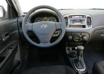 HYUNDAI Accent 1.4 16V Active - 71.00kW [2006]