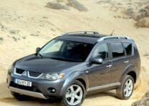 MITSUBISHI Outlander 2.2 DI-D (177k) Instyle - 130.00kW [2010]