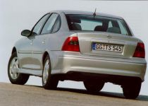 OPEL Vectra 1.8 16V Club - 92.00kW [2001]