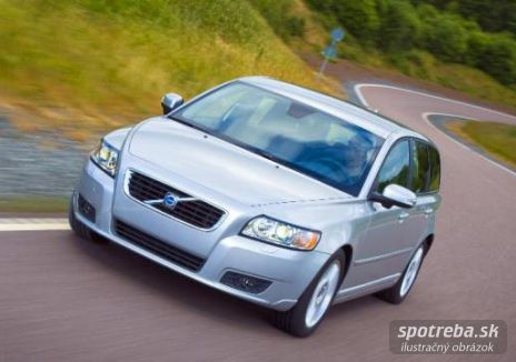 VOLVO V50  D5 Momentum Geartronic - 132.00kW