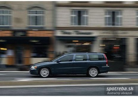 VOLVO V70  T5 Momentum A/T - 191.00kW